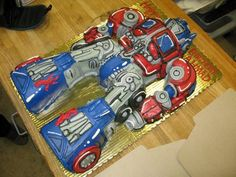 I know some boys, ages 6-27 who would love this Optimus Prime Transformers cake!