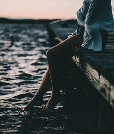 Ti amo. Di questa parola so tutto il peso -l'orrore e la meraviglia – eppure te la dico,quasi con tranquillità. L'ho usata così poco nella mia vita, e così male,…