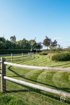 Backyard Fences, Garden Fencing, Garden Swimming Pool, Swimming Pools, Tennis Pictures, Country Fences, Garden Images, Yard Design, Garden Projects