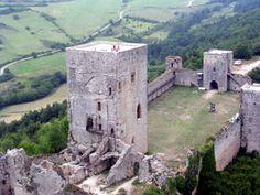 Château cathare de Puivert . Languedoc