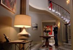 Gossip Girl TV show sets Blair's foyer 2 Gossip Girl Blair, Gossip Girls, Gossip Girl Decor, Estilo Gossip Girl, Gossip Girl Fashion, Gossip Girl Bedroom, Blair Waldorf Room, Estilo Blair Waldorf, Girls Apartment