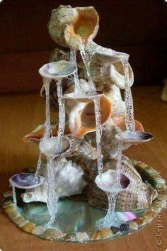 Fairy House - How to Make Amazing Fairy Furniture Seashell Art, Seashell Crafts, Beach Crafts, Fairy Crafts, Diy And Crafts, Glue Crafts, Fairy Furniture, Fairy Garden Accessories, Miniature Fairy Gardens