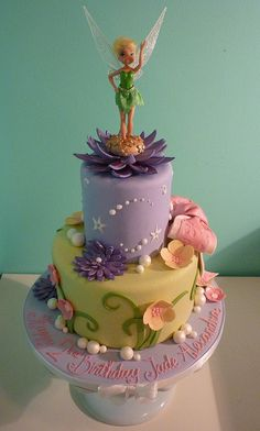 Such a pretty Tinkerbell cake by Saskia Nollen, Pretty Cakes, Cute Cakes, Beautiful Cakes, Amazing Cakes, Pirate Fairy Cake, Bolo Tinker Bell, Cake Cookies, Cupcake Cakes, Cake Candy