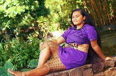 Tapusalaia Alo-Williams shows her  traditional Samoan female tattoo - the malu.