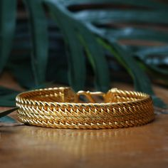 The craftsmanship is in its organic accents✨. Gold Jewelry, Jewellery, Gold Bangles Design, Gem S, Bracelets For Men, Men's Clothing, Metals, Style Ideas, Cuffs