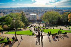 PARIS - Escadaria que leva à Sacré-Cœur, em Montmartre - http://fuievouvoltar.com