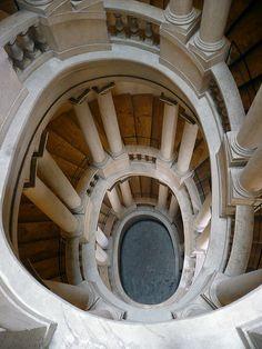 Escalera Bernini    Palazzo Barberini, Roma, Italia