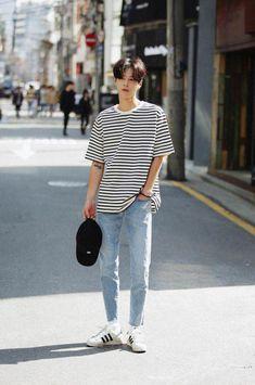 Korean Street Fashion - Life Is Fun Silo Korean Fashion Men, Korean Street Fashion, Kpop Fashion, Asian Fashion, Korean Men Style, Guy Fashion, Fashion Sites, Korea Fashion, Fashion Trends