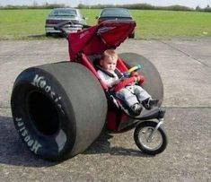 Funny pictures about That baby stroller. Oh, and cool pics about That baby stroller. Also, That baby stroller. Cool Baby, Racing Baby, Hey Bro, Funny Memes, Hilarious, Car Memes, Funny Qoutes, Funny Cars, Big Wheel