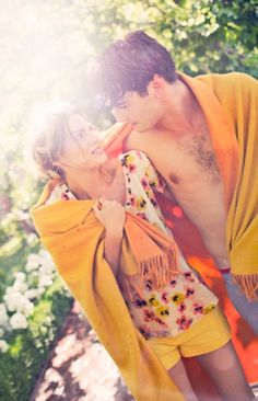 Znalezione obrazy dla zapytania yon gonzalez y amaia salamanca Romantic Photography, Family Photography, Yon Gonzalez Instagram, Picnic Engagement Photos, Alex Garcia, Divas, Grande Hotel, Spanish Men, Movie Couples
