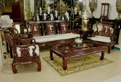 Classic wooden sofa set designs for small living room with dark brown colors Wooden Living Room Furniture, Traditional Living Room Furniture, Room Furniture Design, Furniture Ideas, Furniture Layout, Bedroom Furniture, Living Room Decor, Dining Room, Latest Sofa Designs