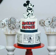 Mickey Mouse Vintage, Bolo Do Mickey Mouse, Mickey And Minnie Cake, Bolo Minnie, Classic Mickey Mouse, Mickey Cakes, Mickey Mouse First Birthday, Mickey Mouse Parties, Mickey Party