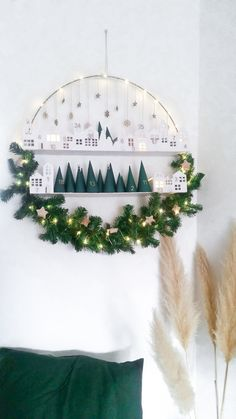 Advent calendar in the Advent wreath - Adventskalender - Noel Christmas Calendar, Noel Christmas, Winter Christmas, Christmas Ideas, Christmas Tables, Holiday Ideas, Christmas Wreaths, Christmas Ornaments, White Christmas