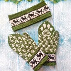 Green set mittens and headband Funny set for walking with a dog A set of clothes for the musher Good gift for a dog handler or veterinarian Knit Mittens, Mitten Gloves, Knitting Charts, Hand Knitting, Christmas Gifts For Mom, Fabric Yarn, Dog Pattern, Walking, Knit Crochet