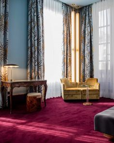 Just a short hop from the Comic Opera of Paris, the doors of the Hôtel Saint-Marc open onto a universe created by the Milan design agency DIMORESTUDIO. The traveller is guided into a building that was constructed in 1791 on the site of the...