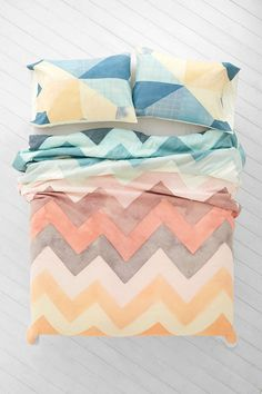 gorgeous watercolor zig zag bedding  - urban outfitters