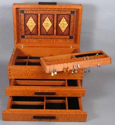 850 arts and crafts jewelry box details