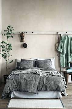 36 Stunning Modern Scandinavian Bedroom Design And Decor Ideas - Popy Home Home Decor Bedroom, Relaxing Bedroom, Home Bedroom, Bedroom Interior, Bedroom Design, Natural Bedroom, Modern Scandinavian Bedroom Design, Bedroom Green, Home Decor