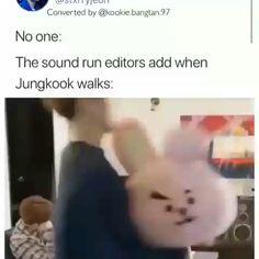 He's just casually carrying Jimin. 😂😂 meme Casually carrying Jin 😂 Fᴏʟʟᴏᴡ 𝙼𝚢 𝚕𝚒𝚏𝚎 𝚊𝚜 𝚊𝚗 𝙰𝚛𝚖𝚢 ғᴏʀ ᴍᴏʀᴇ 🖤 Namjoon, Kookie Bts, Bts Bangtan Boy, Bts Taehyung, Bts Boys, Jikook, Bts Memes Hilarious, Bts Funny Videos, Foto Bts