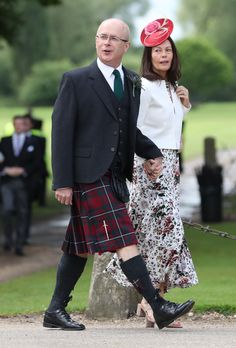 Guests arrive ahead of the wedding of the Duchess of Cambridge's sister Pippa Middleton to her millionaire groom James Matthews dubbed the society. Royal Wedding Pippa Middleton, Kate Middleton, Middleton Family, Pippas Wedding, Wedding Of The Year, Wedding Hats, Red Fascinator, Fascinators, Meghan Markle Dress