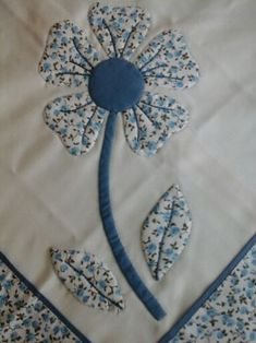 17 Ideas For Applique Quilting Patterns Patchwork Hand Applique, Applique Quilts, Patchwork Quilting, Applique Designs, Quilting Designs, Embroidery Designs, Flower Applique Patterns, Embroidery Patches, Embroidery Applique