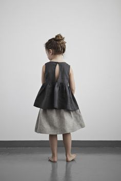 Open back - button - wide top, by Muku. Gray to grey.. (Winnie)