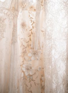 inspiration | lace details | elizabeth messina photography