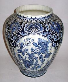 Need. Big. Delft. Urns. Someday.