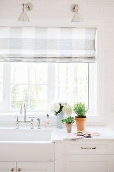 buffalo check style fabric roman shade in classic style