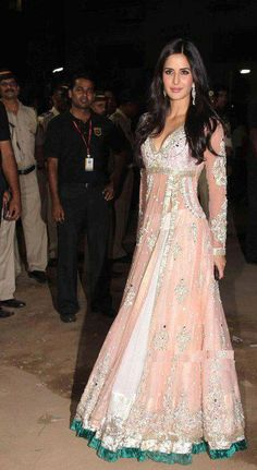 My favourite anarkali from Manish Malhotra, Katrina Kaif looks like a princess/doll in it <3 - Totally Mughal Style lool