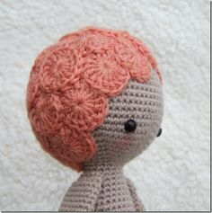 Lovely crochet hair. - this is a very interesting idea - and opens up all sorts of possibilities - will try to use a similar form when next crocheting a wee toy.