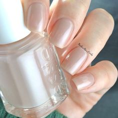 How gorgeous is this neutral beige?! This sheer bliss is essie's 'Au Natural'.
