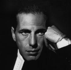 Humphey Bogart con el tiempo se convirtió en uno de los mitos más sólidos de la historia del cine.
