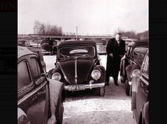 Vw Cabrio, Vw Beetles, Old Pictures, Antique Cars, Black And White, History, Vehicles, Classic, Bugs