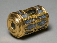 Spyglass,ca  1750  gold mounted agate periscope mirror for side viewing.,by  James Cox,