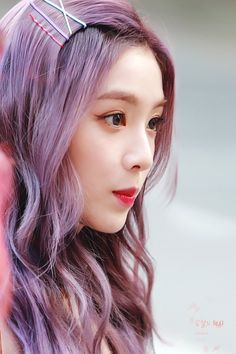 Seulgi, Velvet Hair, Red Velvet Irene, Kpop Girls, Hair Goals, Hair Pins, Asian Girl, Hair Color, Long Hair Styles