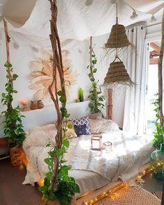 61 Best Bedroom Decor Ideas To Inspire succulent bedroom decor, summer bedroom decor, simple bedroom, lakehouse bedroom, simplistic bedr. - My Website 2020 Bohemian Bedrooms, Bohemian House, Bohemian Style, Bohemian Decor, Boho Hippie, Boho Chic, Bohemian Room, Gypsy Decor, Hippie House Decor