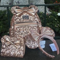 Disney now sells rose gold Minnie Mouse backpacks — and so sorry, they sold out in less than a day Cute Disney Outfits, Disney World Outfits, Minnie Mouse Backpack, Disney Now, Cute Mini Backpacks, Disney Wishes, Disney Mickey Ears, Disney Purse, Disney Souvenirs