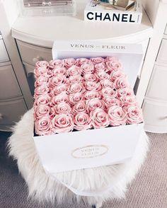 Venus Et Fleur flower flowers floral roses flower pictures light pink roses Deco Floral, Arte Floral, Bouquet Cadeau, Bouquet Box, Pink Bouquet, Bouquet Flowers, Wedding Bouquet, Pretty In Pink, Beautiful Flowers