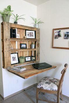 DIY space-saving pallet desk - The Northwest Momma . - DIY space-saving pallet desk – The Northwest Momma … – Katie - Pallet Desk, Diy Pallet Furniture, Diy Pallet Projects, New Furniture, Furniture Design, Furniture Ideas, Wood Desk, Wooden Furniture, Simple Furniture