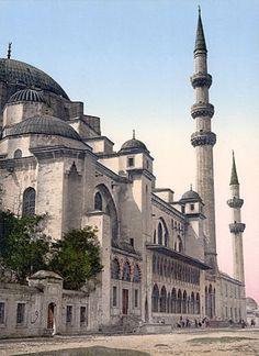 Mezquita de Süleymaniye - Época otomana.Planta central, con cúpulas y semincúpulas y alminares en aguja