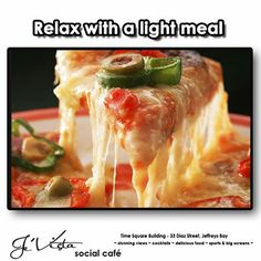 best Pizza in Chennai.Order pizza online from home or office today and get hot, delicious Burgers, Pizza, Fried Chicken delivered at your location Pizza Foto, Pizza Recipes, Healthy Recipes, Tasty Meals, Top Recipes, Easy Recipes, Crispy Pizza, Easy Homemade Pizza, Food Porn
