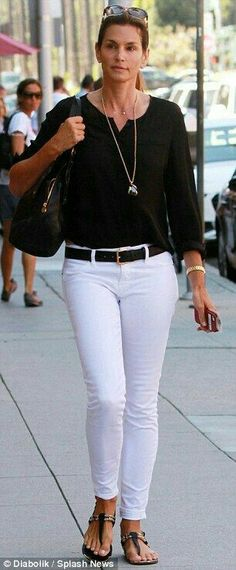 Black & white outfit....looks classy