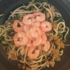 Dinner time: courgetti with prawns #highprotein #lchf #lowcarbhighfat #lowcarb #healthy #healthyfood #healthyeating #fit #fitness #clean #cleaneating #banting by dianablues