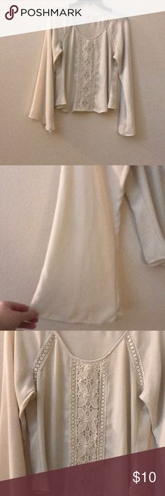 Soulmates long bell sleeved cream dressy top Euc L Perfect condition Soulmates Tops
