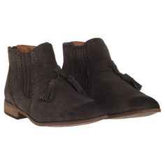Dolce Vita: Camira Bootie Olive, at 20% off!