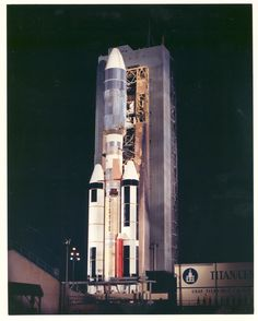 The Titan booster is a two-stage liquid-fueled rocket, with two additional… Space Tourism, Space Travel, Project Gemini, American Space, Space Probe, Air Space, Engin, Hubble Space Telescope, Space Program