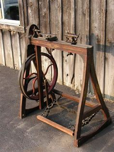 treadle lathe - looks easy enough to build