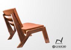 Esta propuesta rompe con la postura tradicional, fabricado en madera de Guayubira y cuero vacuno, el sillón Bagual está pensado para que el usuario se sienta cómodo. Su diseño permite que la interacción con el mobiliario sea sinónimo de relax. Ideal para el living, salas y usar en cualquier momento del día.