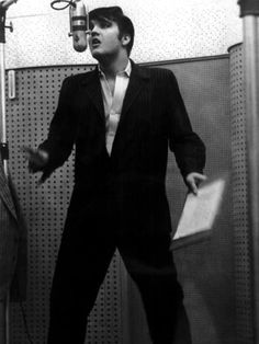 Elvis working on the first recording session for the movie Loving you in january 1957.